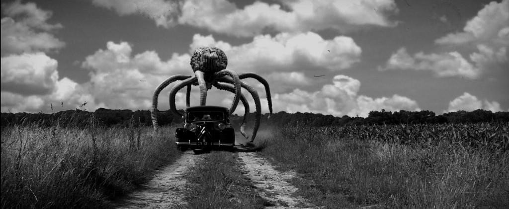 credit-photo-_c_-l_attaque-du-monstre-geant-suceur-de-cerveaux-de-l_espace